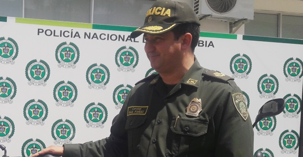 Photo of Solo daños materiales dejó explosión de petardo en sede de empresa de transportes