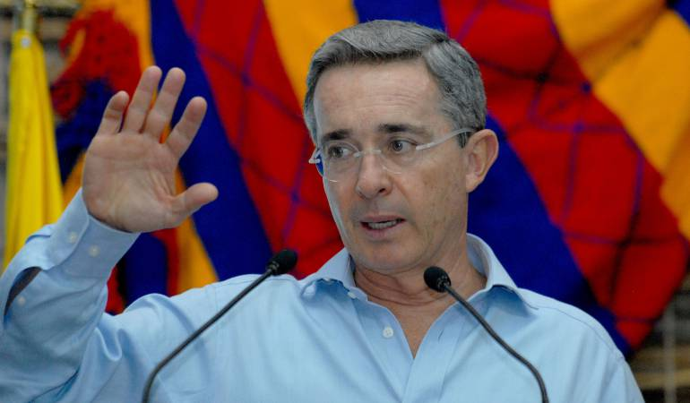 Photo of Santiago Uribe es un preso político y el fiscal un político rabioso: Uribe