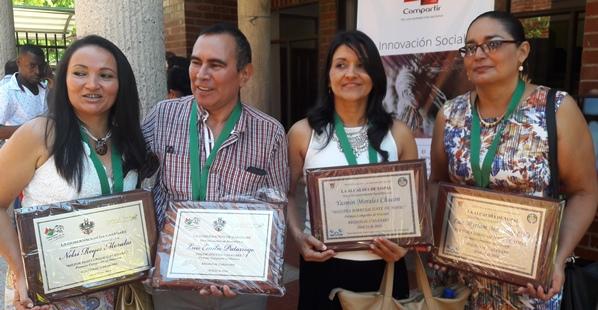 Photo of Premio Compartir al Docente 2016 es un reconocimiento al trabajo: Rectora IE Luis Hernández Vargas de Yopal