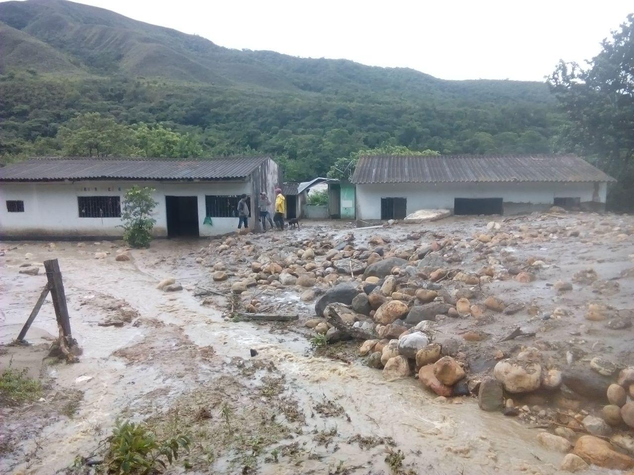 Photo of Alcalde de Hato Corozal decreta Calamidad Pública ante estragos del invierno