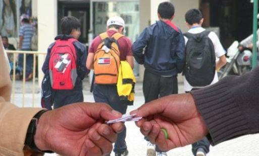Photo of Redes de microtráfico están haciendo regalos alucinantes a menores de edad en Yopal