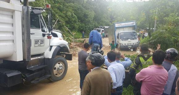 Photo of Pese a que se presentaron nuevos derrumbes en la vía al Cusiana, Invías habilitó la carretera que comunica Casanare con Boyacá