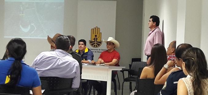 Photo of Gobernación de Casanare y Alcaldía de Aguazul advierten sobre peligro en sector de la Unión por deslizamientos