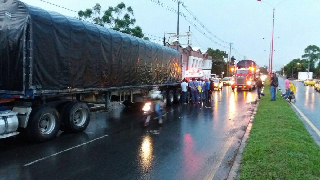 Photo of Cerca de 1600 vehículos transitaron durante la tarde de este lunes vía Yopal – Aguazul según reporte de MinTransporte