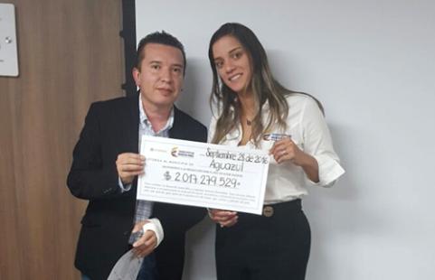 Photo of Alcalde de Aguazul recibe incentivo del Ministerio de Minas para invertir en el municipio