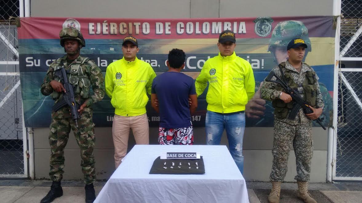 Photo of Cerca de un colegio fue capturado distribuidor de estupefacientes