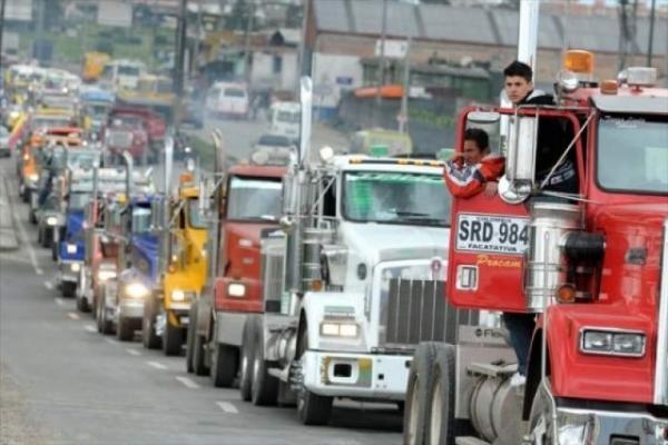 "Photo of Mintransporte expidió decreto para acabar ""malas prácticas"" en el sector transportador de carga"