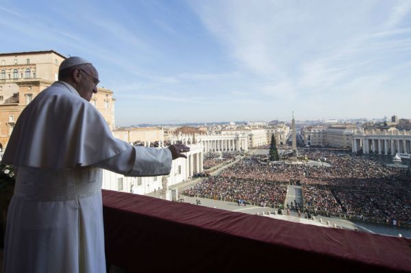 """Photo of La crítica del Papa a esas personas """"muy católicas"""" que hacen """"negocios sucios"""""""
