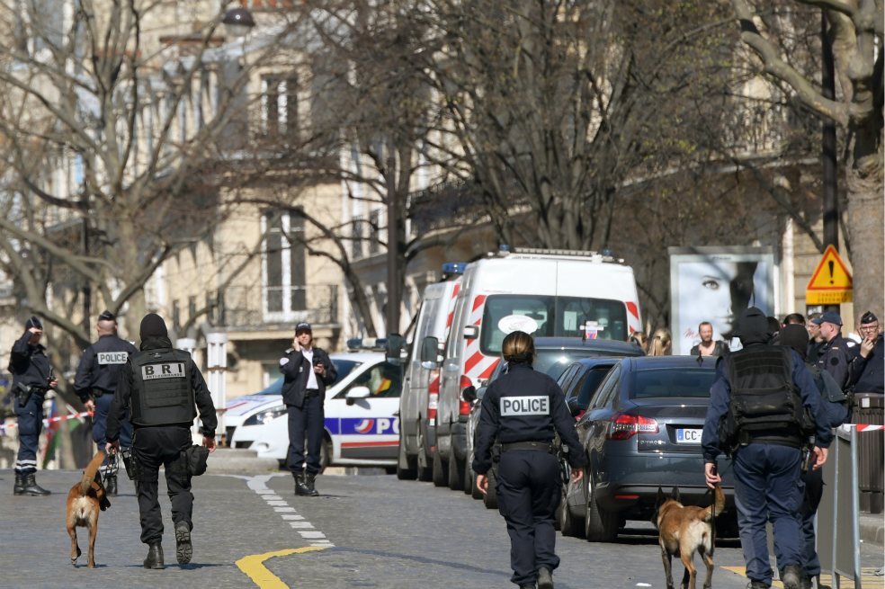 Photo of Detonan carta bomba en oficinas del Fondo Monetario Internacional en París