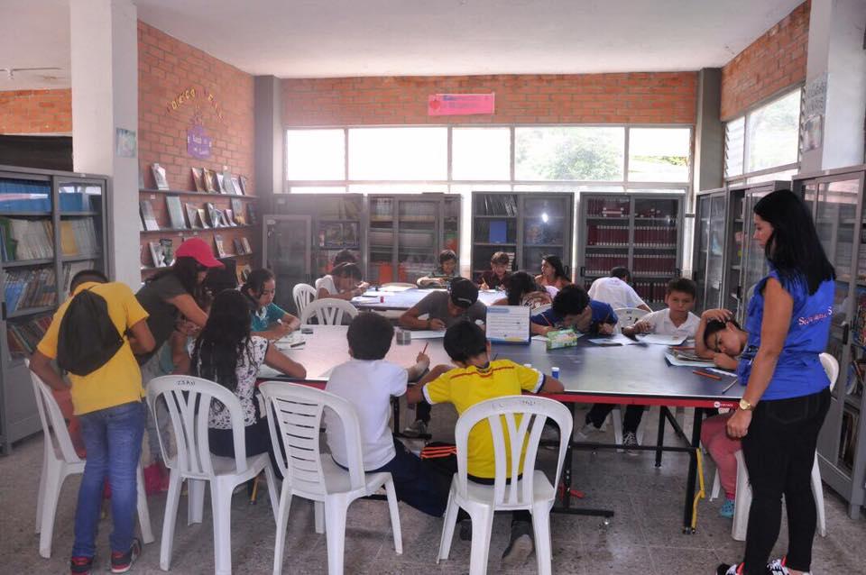 Photo of Secretaria de Salud adelantó jornada educativade eliminación de posibles criaderos de zancudos en el Corregimiento El Morro