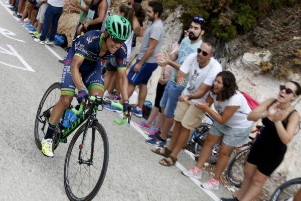 """Photo of """"Tenemos un equipo muy fuerte que trabaja bien en conjunto"""": Esteban Chaves"""