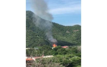 Incendio afecta depósito de armas y explosivos del Ejército en Santa Marta
