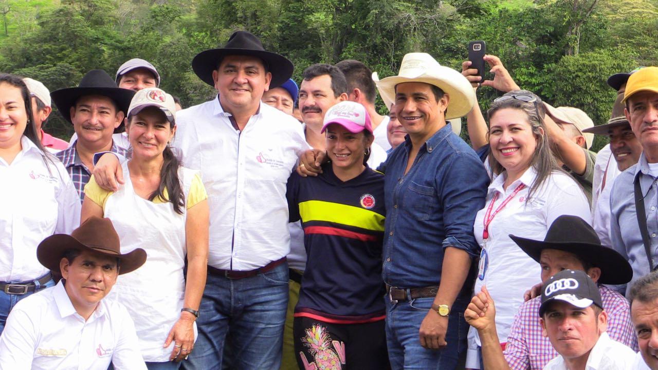 Photo of Josué Alirio Barrera cumple sus compromisos