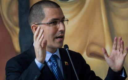 Canciller de Venezuela asegura que no hay crisis humanitaria en el país