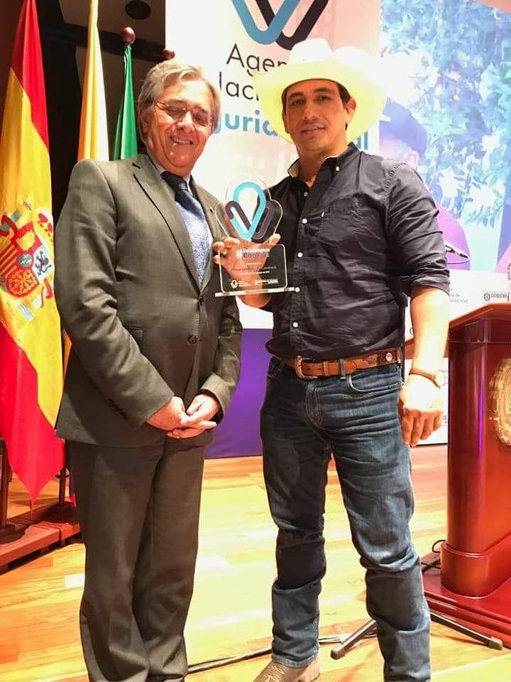 Photo of Gobernador de Casanare recibe reconocimiento por parte de la Agencia Nacional de Seguridad Vial por reducción de accidentes de tránsito en el departamento