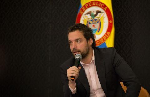 Photo of El Viceministro del Interior, Luis Ernesto Gómez renunció a su cargo