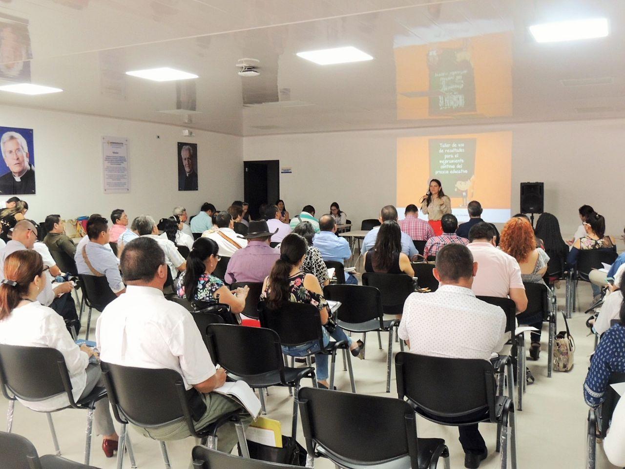 Photo of Directivos docentesparticiparon en taller de Interpretación y Uso de Resultados SABER 11