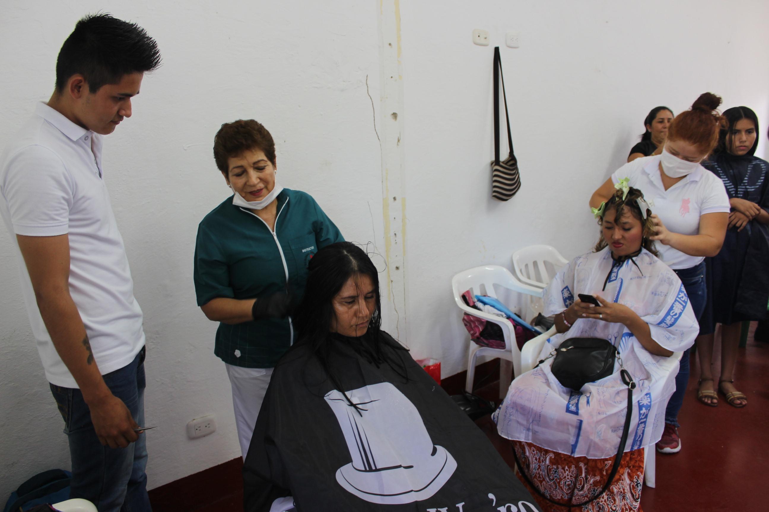 Photo of Participa de la jornada de salud y belleza en el barrio Villa Flor