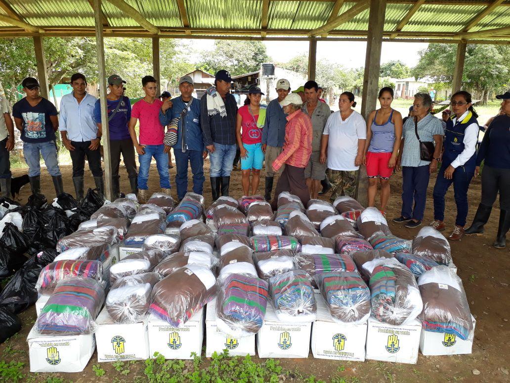 Photo of Administración departamental continúa brindando ayudas humanitarias a damnificados por el invierno