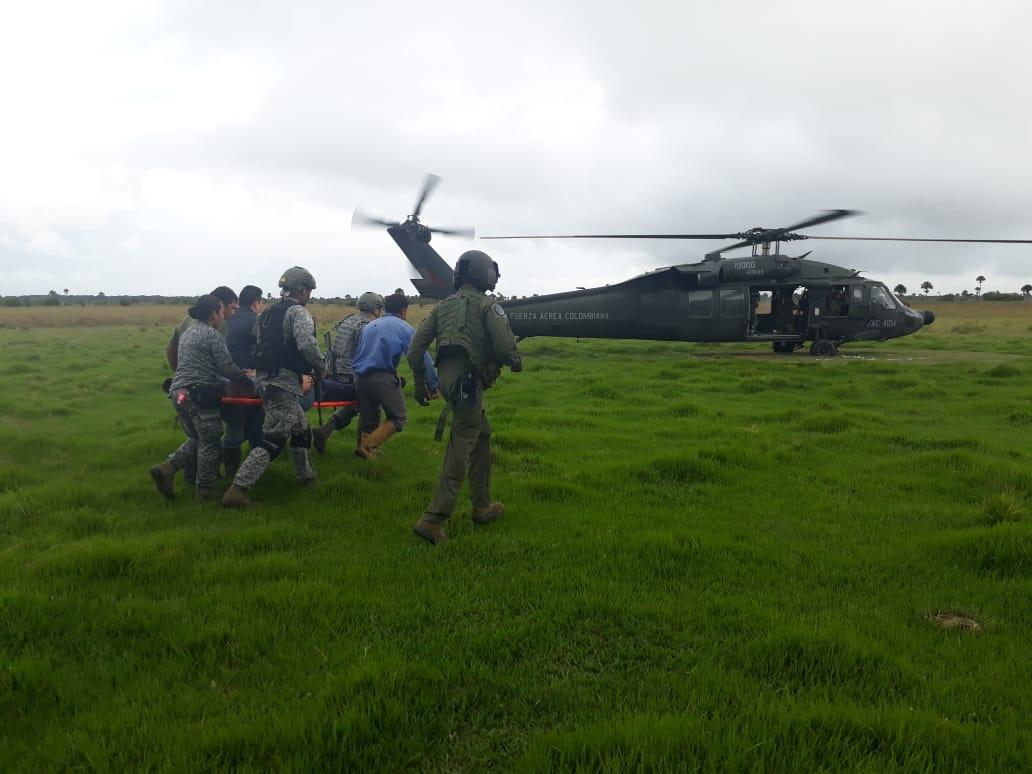 Photo of Fuerza Aérea trasladó paciente desde Paz de Ariporo para que fuera atendido en el Hospital Regional de la Orinoquia