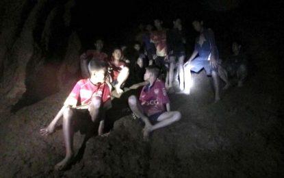 Ya son ocho niños rescatados en la cueva de Tailandia