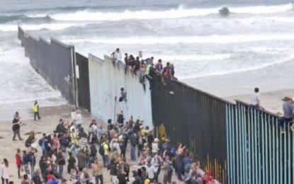Barricadas en frontera EU-México despiertan temor de cierre definitivo