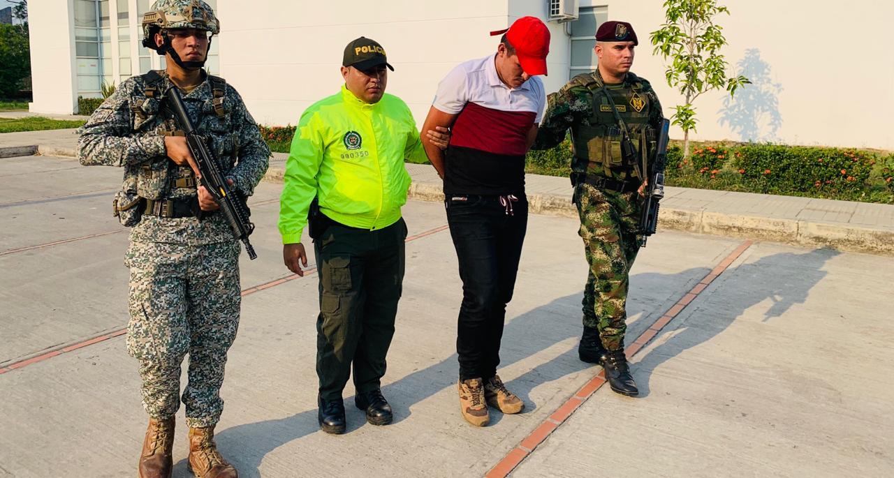 Photo of Alias 'Ñeque', integrante del GAO residual fue capturado en Arauca