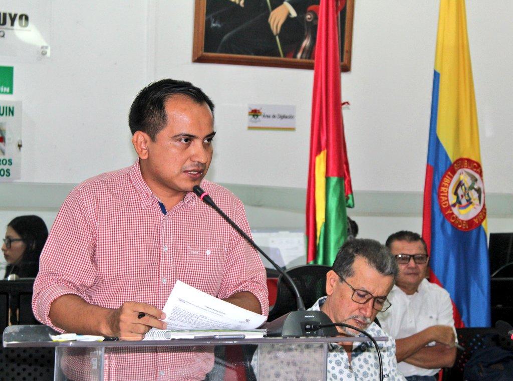 Photo of Secretario de Gobierno socializó informe de seguridad ante el Concejo Municipal