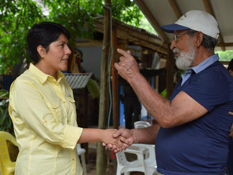 Photo of Directora General de Corporinoquia se reunió con líderes comunales de veredas de Yopal para hablar de problemática de canales