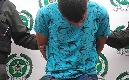 En Maní, fue capturado presunto extorsionista recibiendo dinero de un comerciante