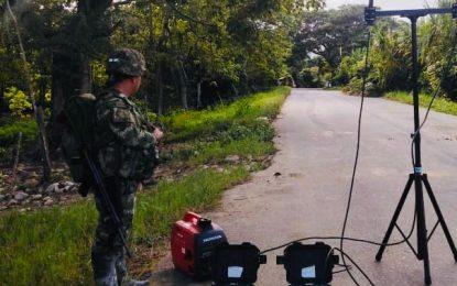 Ejército Nacional haya explosivos entre la población civil en Arauca