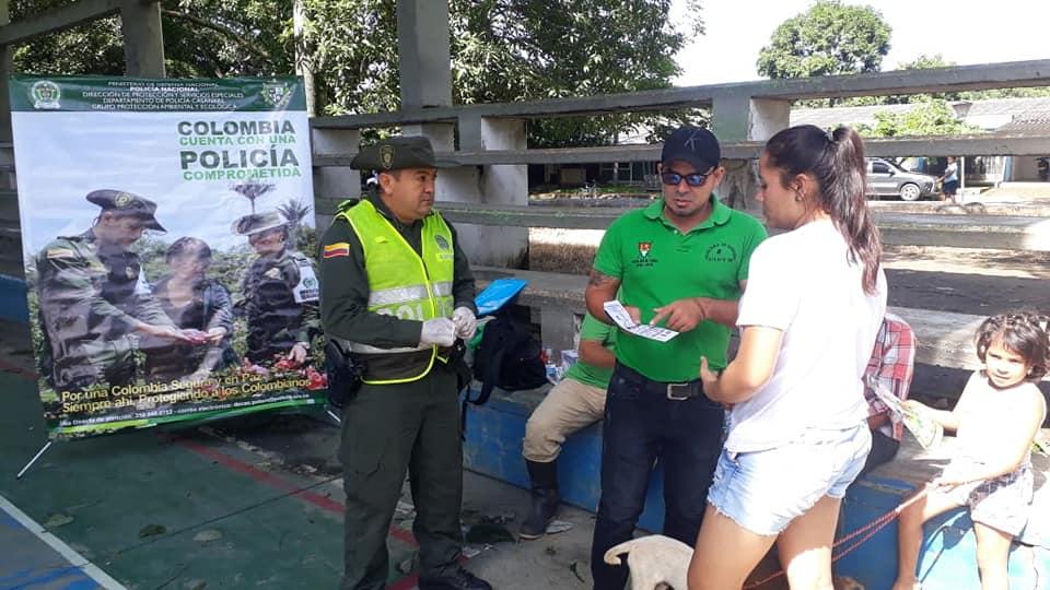 Photo of 32 animales vacunados en jornada de sensibilización en tenencia responsable de mascotas en La Chaparrera