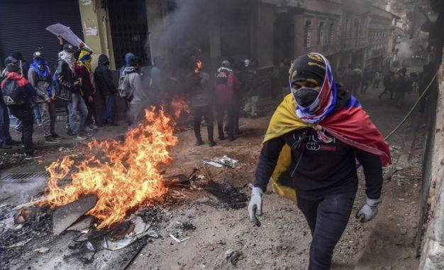 Fuertes protestas en Ecuador dejan cinco muertos