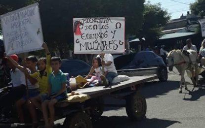 Manifestación pacifica de los 'Caballitos de Oro'