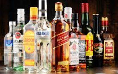 Se recomienda tener prudencia al comprar y consumir bebidas alcohólicas