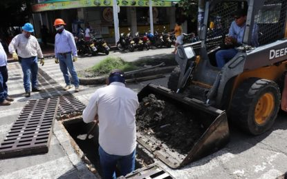 Alcaldía de Yopal realiza labores de mantenimiento al sistema de alcantarillado pluvial