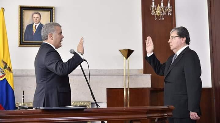 Photo of Carlos Holmes Trujillo tomó posesión como Ministro de Defensa