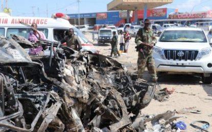 Carro bomba mata al menos a 76 personas en Mogadiscio, capital de Somalia