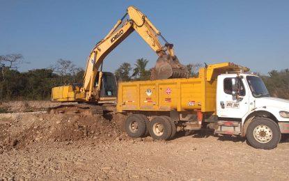Gobernación de Casanare y Parex realizan mantenimiento en vía Trinidad Bocas del Pauto