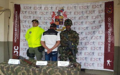 Ejército incautó material de guerra y capturó un presupuesto integrante del GAOr