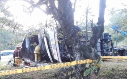 Investigan causas de accidente en el Valle que deja seis muertos y 34 heridos
