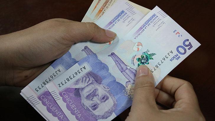 Photo of Adultos mayores ya pueden reclamar el dinero de la segunda nómina de Compensación del IVA