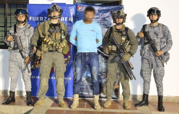 Photo of En operación conjunta, Fuerza Aérea Colombiana y Policía Nacional capturan presunto Jefe del Eln en Arauca