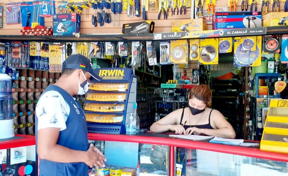 Photo of Pequeñas y medianas empresas fueron visitadas por la Administración Municipal para socializar protocolos de bioseguridad que deben tener en cuenta, en el marco de la emergencia sanitaria