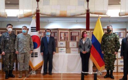 Corea dona 40.000 tapabocas a veteranos de guerra en Colombia
