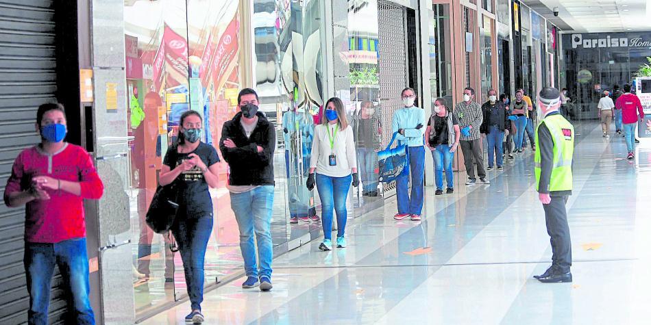 Photo of Nuevas medidas para el ingreso a centros comerciales en Bogotá