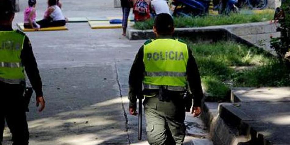 Photo of Conmoción por joven que golpeó y roció gasolina a su mamá y su pareja
