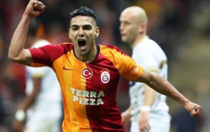 Falcao toma una decisión para seguir en Galatasaray