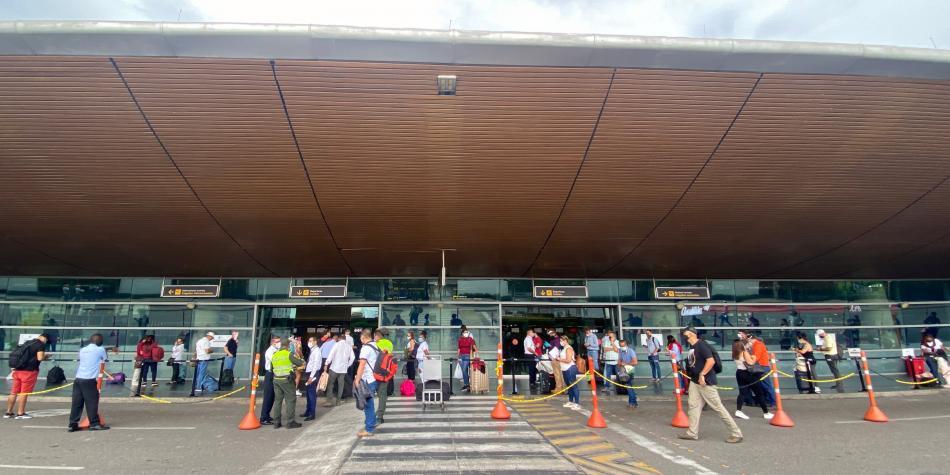 Photo of Murió por covid-19 hombre que llegó en vuelo desde Bogotá a Cartagena