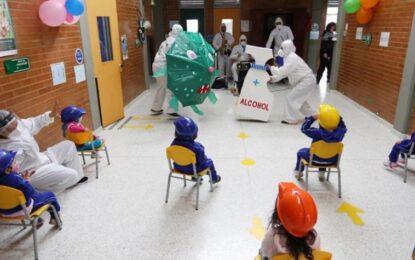 Jardines y colegios privados de Bogotá vuelven a las aulas